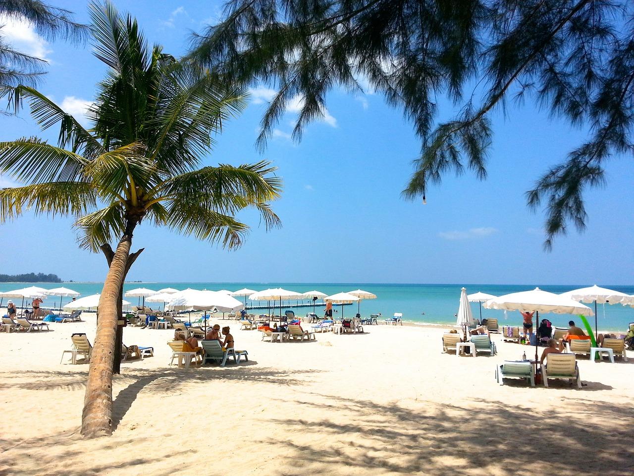 beach-261574_1280