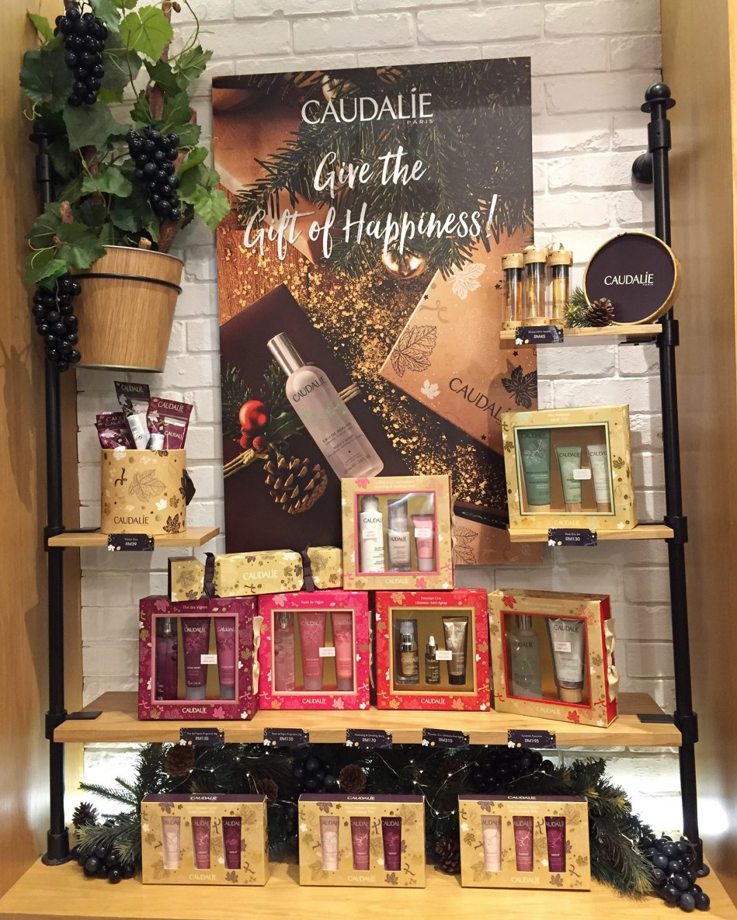 Give Back To Your Loved Ones & Mother Nature With Caudalie Holiday Gift Sets - Pamper.My