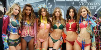 Our Top 10 Looks From The 2016 Victoria's Secret Fashion Show - Pamper.My