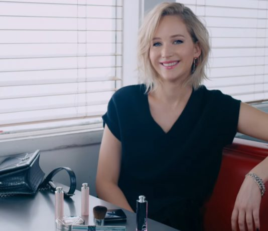 Jennifer Lawrence Embraces Her L.A Girl Roots With The Dior Addict Lacquer Stick-Pamper.my