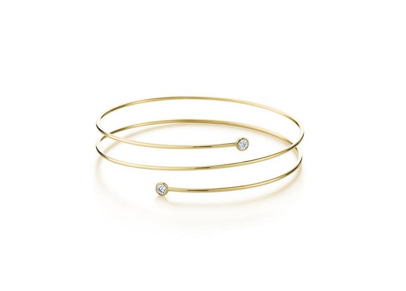 4e5250b3224 Tiffany   Co. Elsa Peretti Diamond Hoop Bracelet in 18K Gold with Diamond -Pamper.my