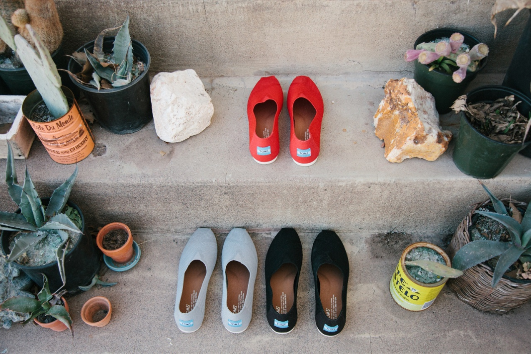 Get Matching Kicks With Your Toddler With The New TOMS Custom Mesh Knit  Alpargata 6cc7336ff6d