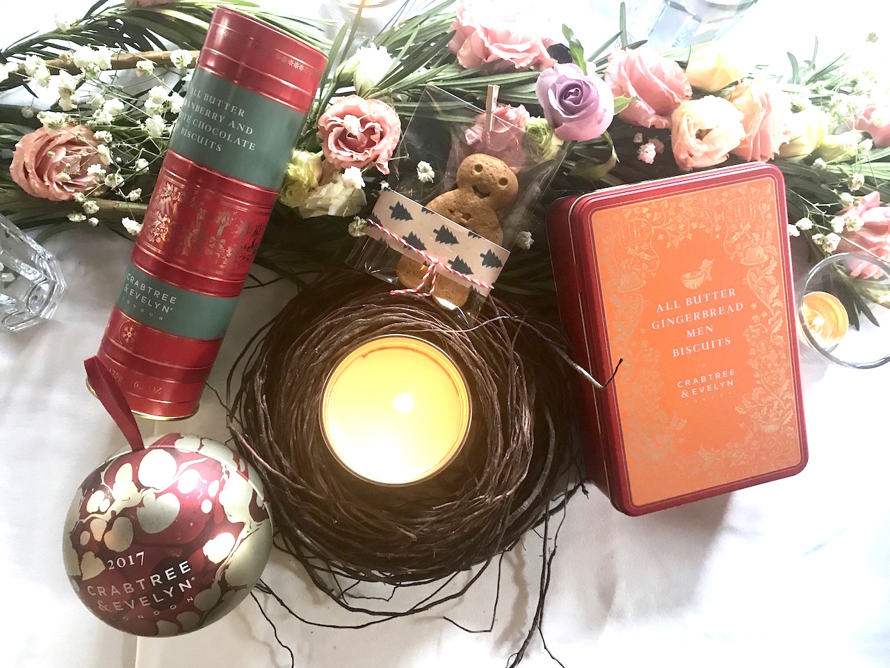 explore once upon a christmas with crabtree evelyn pamper my. Black Bedroom Furniture Sets. Home Design Ideas