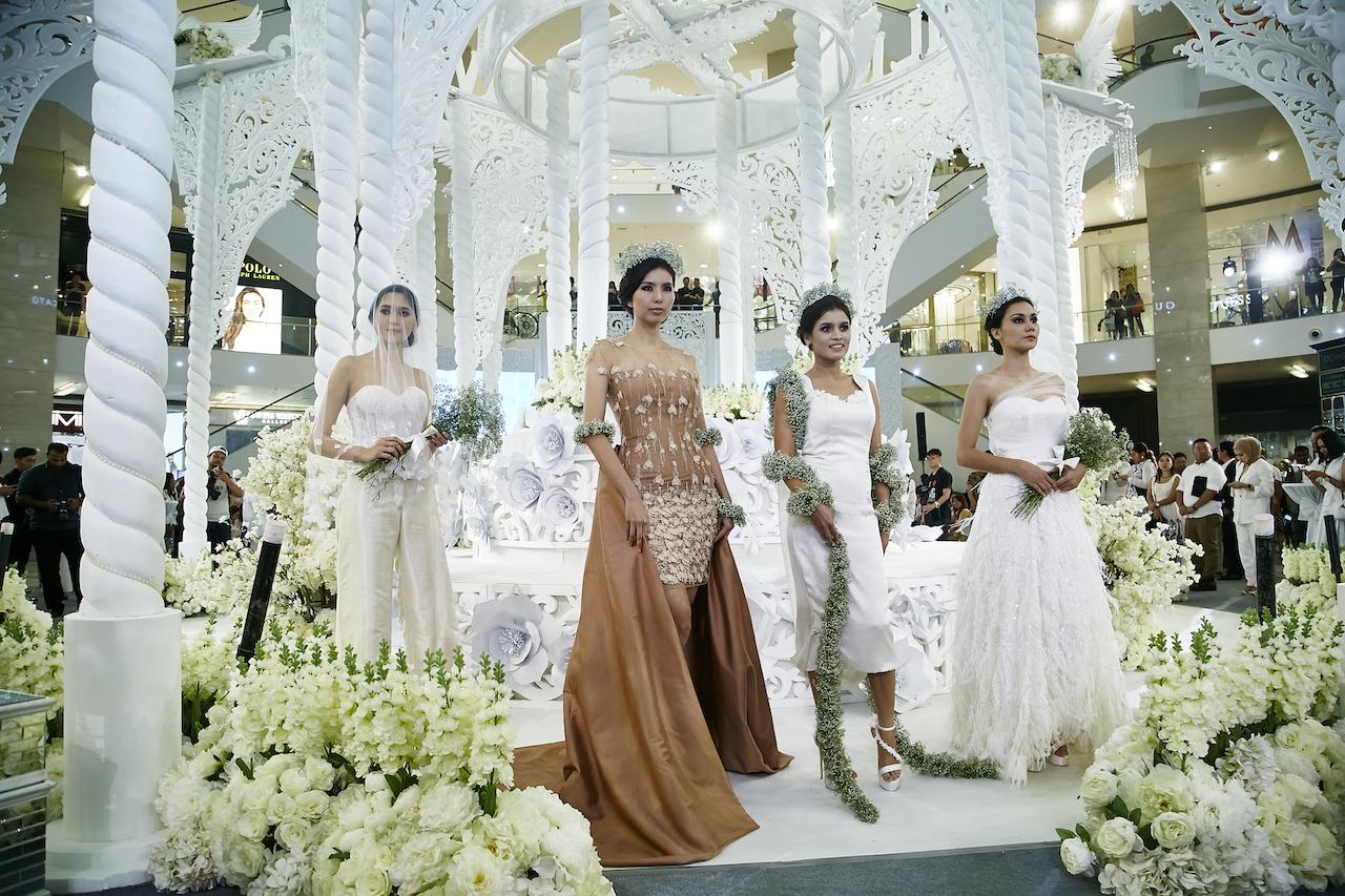 Pavilion Kuala Lumpur Romanticises The Season S Fashion